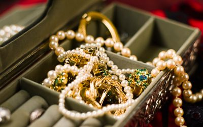 When You Have Jewelry, Here's How To Pack It When You Move